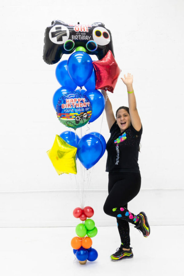 balloon bounches boy play games @decoracionesglobos bouquets decorations boy girls stars blue pink purple miami