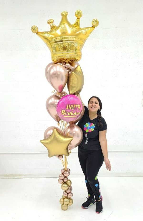 Balloon Bunches Birthday Queen @decoracionesglobos www.decoracionesglobos.com Birthday DecoracionesGlobos.com Miami Venezuela Bouquets Decoraciones