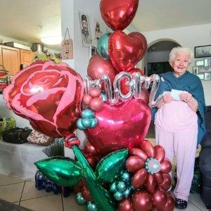 BALLOON BOUQUET MOM ROSE DECORACIONESGLOBOS.COM MOTHER'S DAY DIA DE LAS MADRES DECORACIONES BALLOON BOUQUET